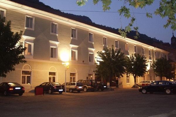 hotel ferdinanad baile herculane