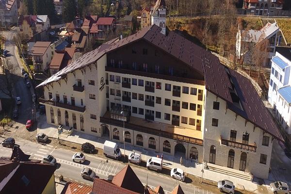 Imagini pentru Hotel Carmen Predeal